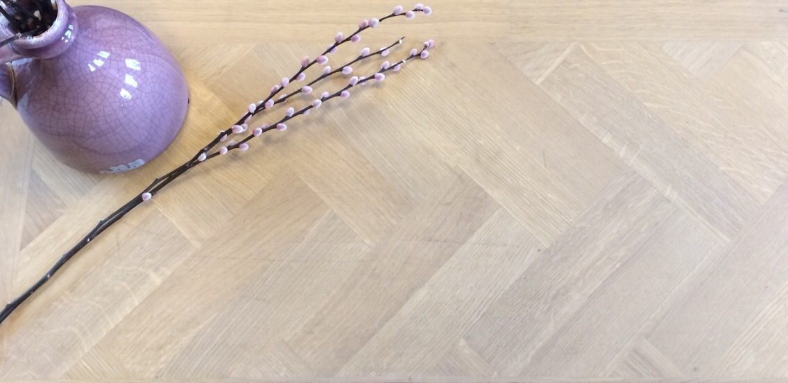 exquisit eiken, osmo 3040 dubbel geolied, afmeting 6x71x284 dubbele visgraat, zonder bies met band.jpg