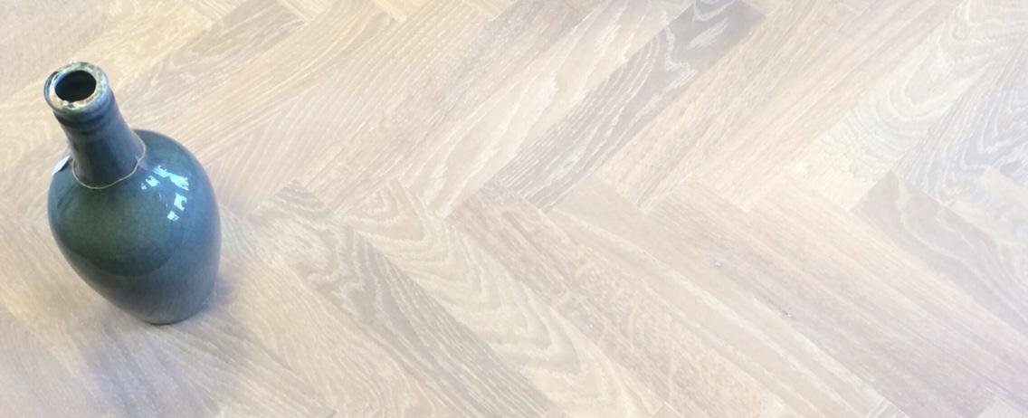 standaard eiken, monocoat, super white geolied, enkel gerookt.jpg