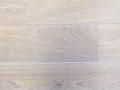 standaard eiken, geborsteld, enkel gerookt, osmo 3111 wit geolied, ruwhout voor tapis.jpg