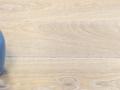standaard eiken, geborsteld, enkel gerookt, osmo 3111 wit geolied.jpg