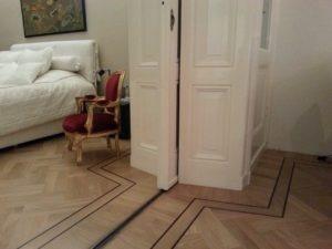 visgraatvloer in slaapkamer