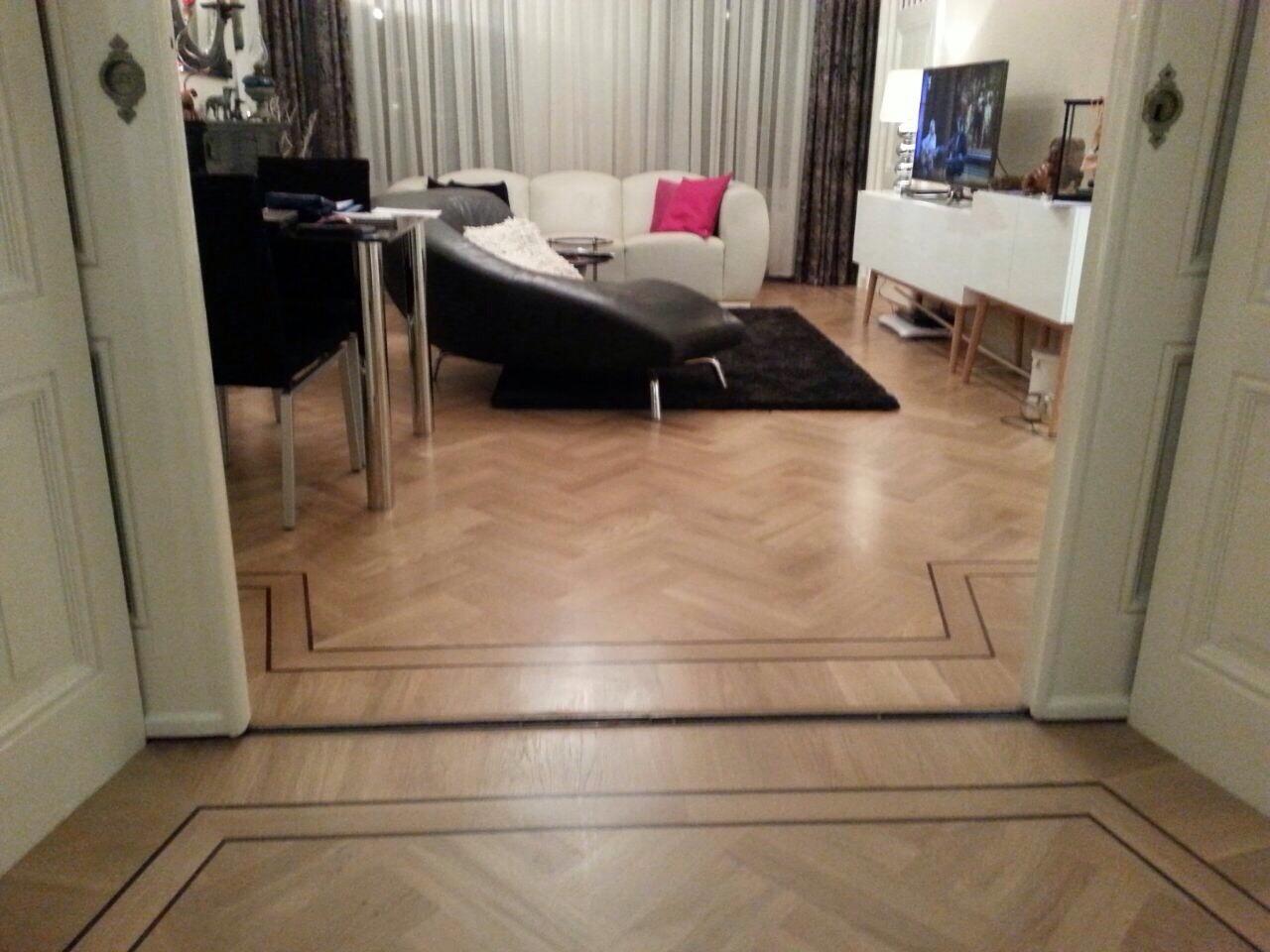 Visgraatvloer amsterdam visgraatvloer - Moderne betegelde vloer ...