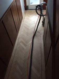 visgraat vloer schuren