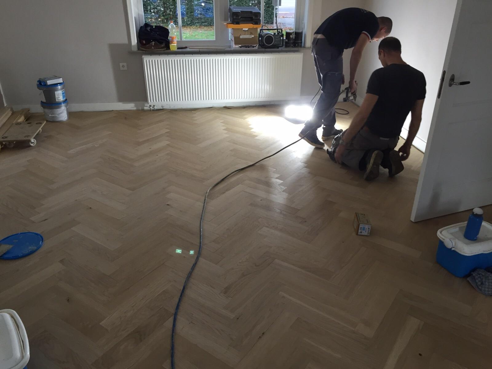 Visgraat vloer leggen kosten: brede tapis visgraat in weesp parket