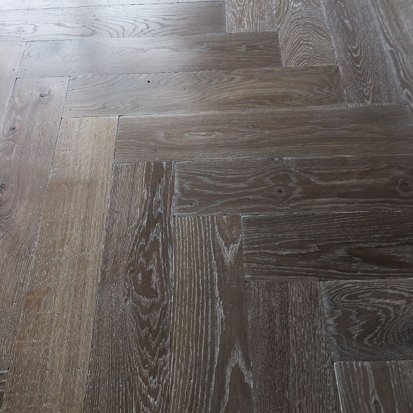 Visgraat vloer Rijssen