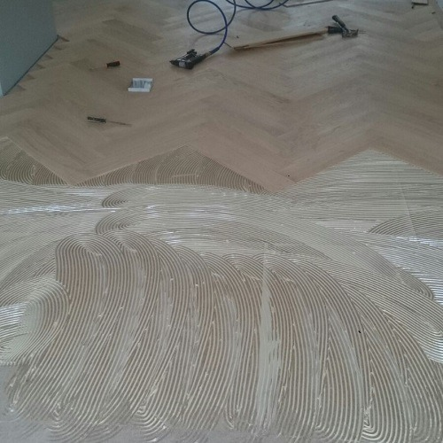 natuurlijke visgraat vloer