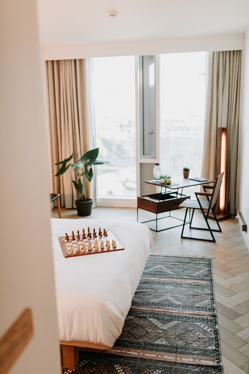 Visgraatvloer hilton hotel Bebovloeren lamelparket (26)