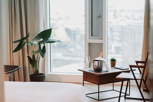 Visgraatvloer hilton hotel Bebovloeren lamelparket (48)