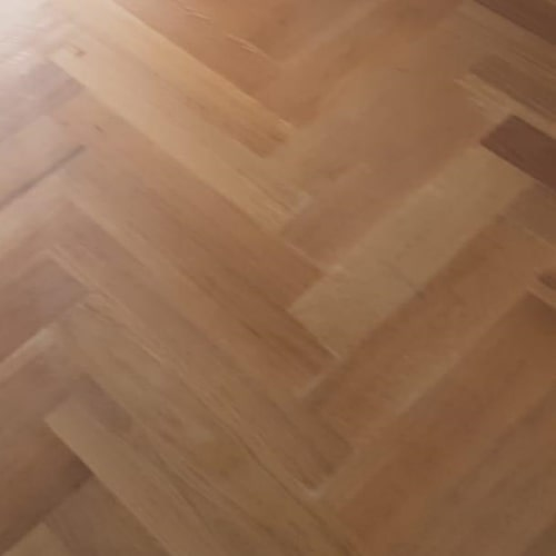 houten visgraatvloer